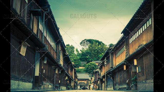 Old Higashi Chaya District with teahouses, Kanazawa, Japan.